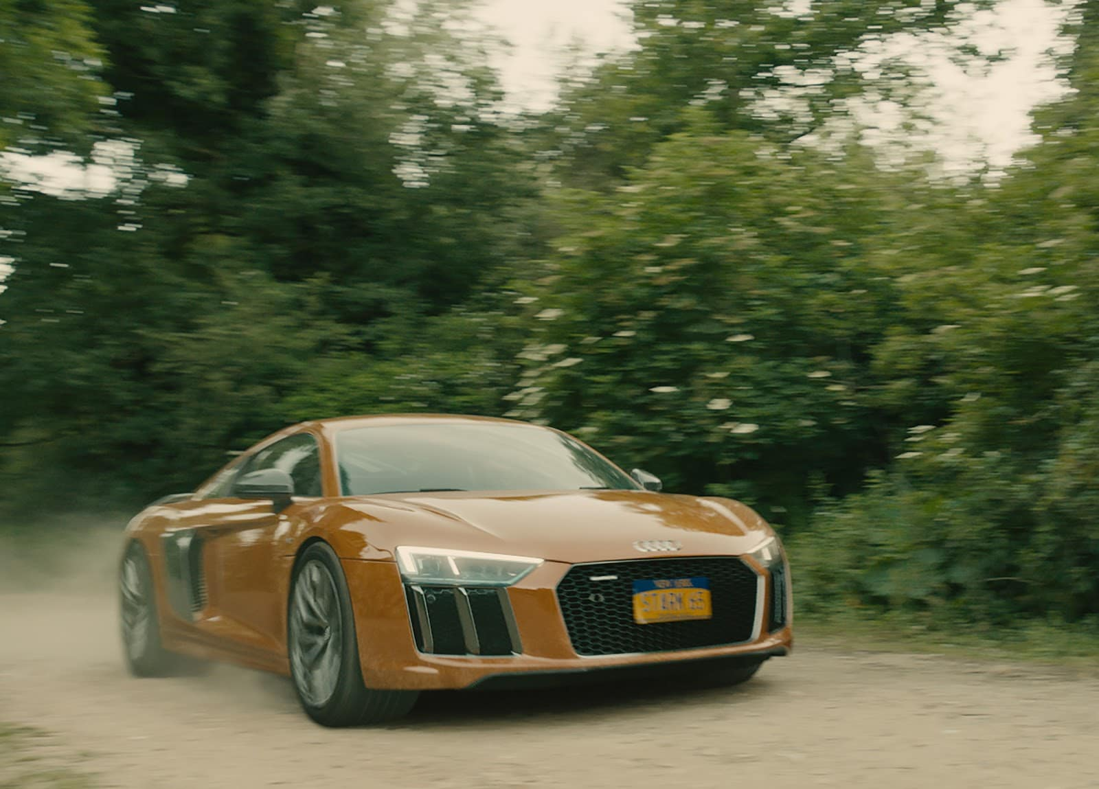 Tony Stark drives the new Audi R8 in Avengers Age of Ultron Απονέμουμε τα Όσκαρ αυτοκινήτου