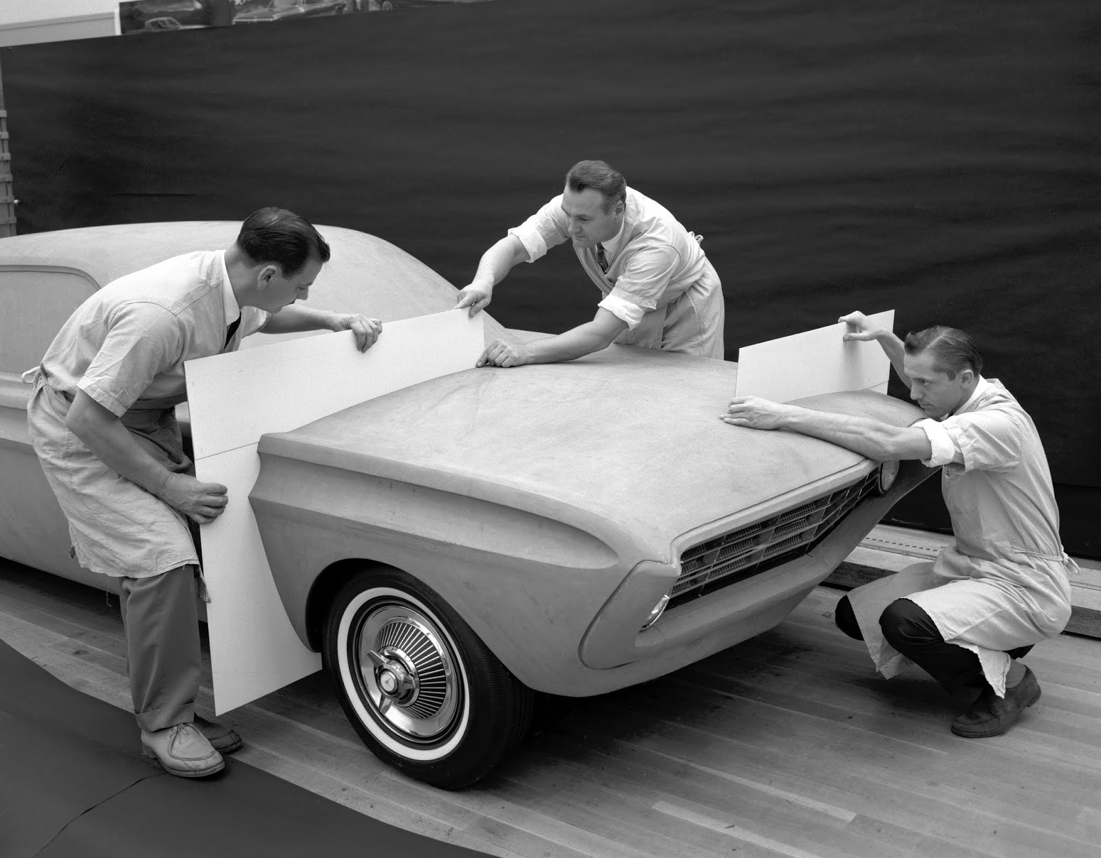Q1 Special Falcon 1962 Ford Styling Center clay modeling 1 Πώς γιορτάζει η Mustang τα 55 της χρόνια;