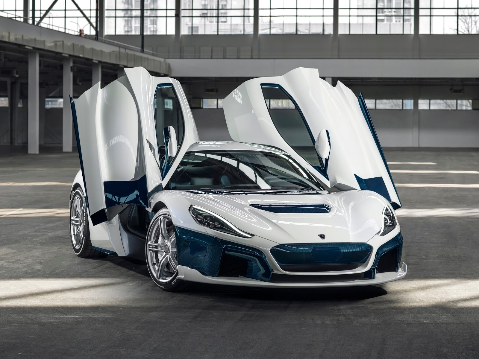 C TWO Day Exterior Front34 Rimac C Two. Η νέα φυλή στα hypercars, έρχεται με 1900 ίππους.