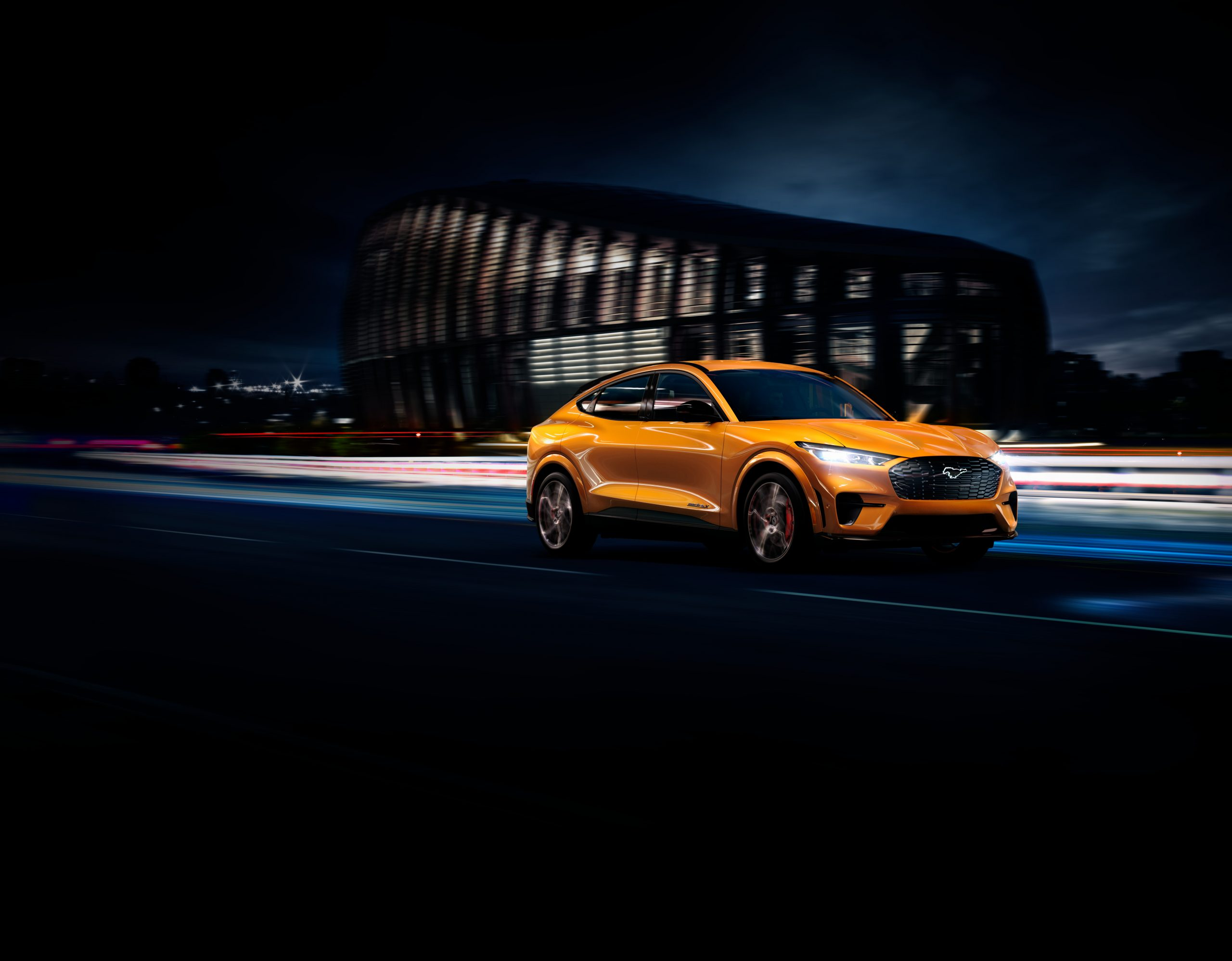 2020 FORD MACH E GT CYBER ORANGE 01 scaled Από 51.587 ευρώ η τιμή της Ford Mustang Mach-E στην Ελλάδα