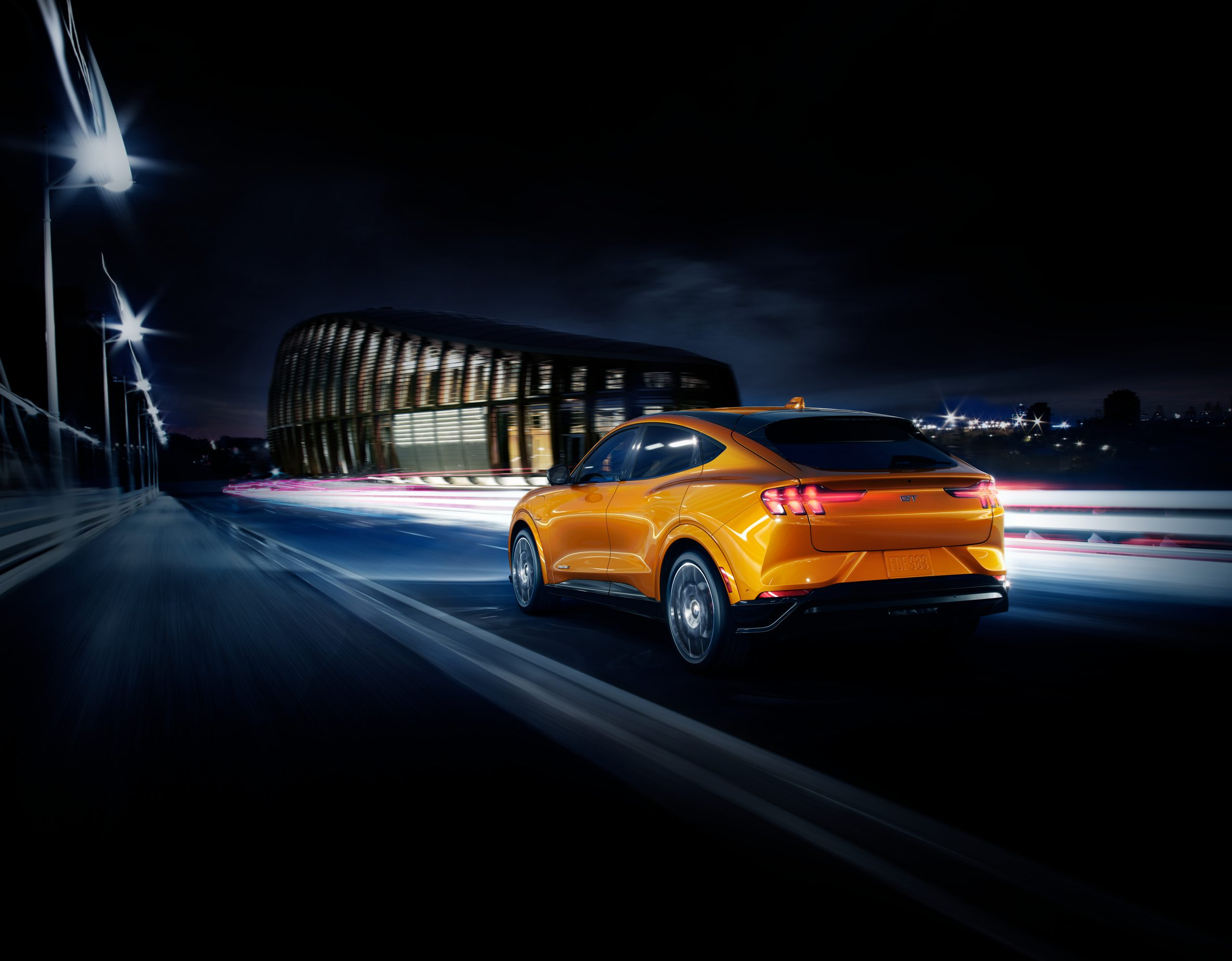 2020 FORD MACH E GT CYBER ORANGE 02 scaled Από 51.587 ευρώ η τιμή της Ford Mustang Mach-E στην Ελλάδα