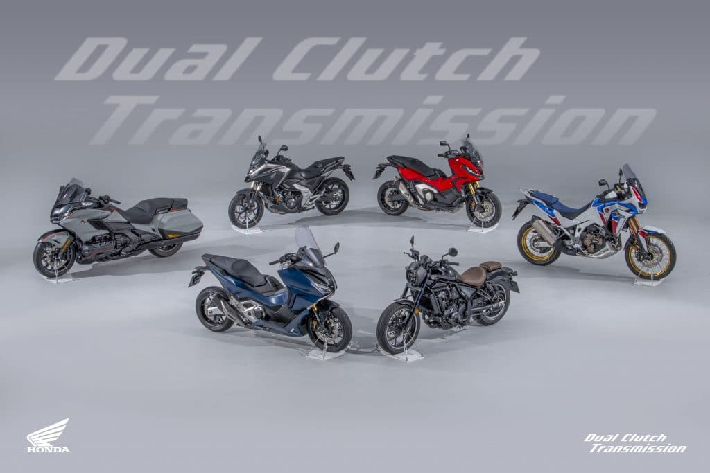 21YM DCT21 Line up Overhead V1 DCT Διαγωνισμός από τη Honda Motorcycles