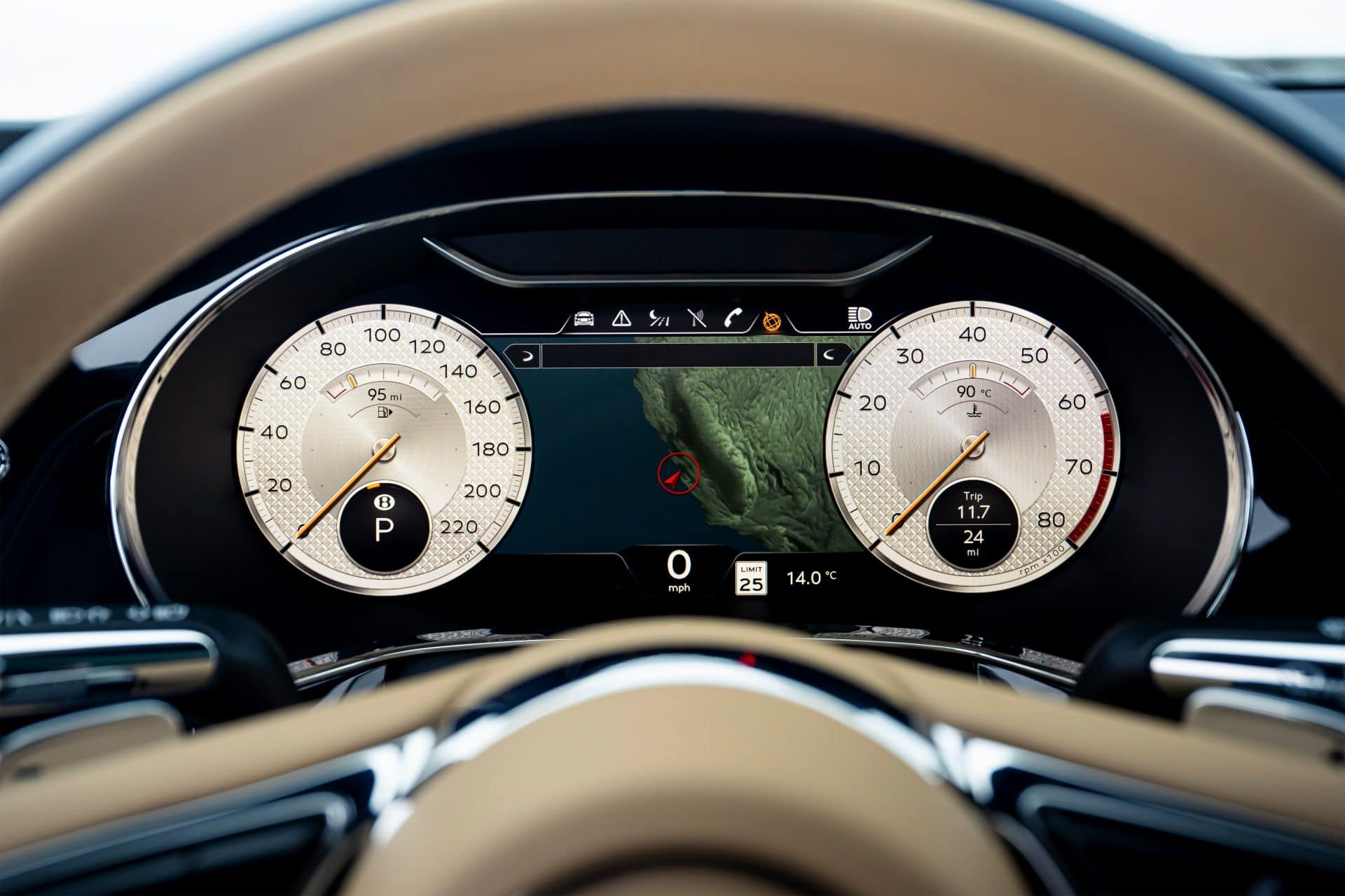Flying Spur Mulliner 9 BENTLEY FLYING SPUR MULLINER : Κορυφαία εμπειρία Grand Touring